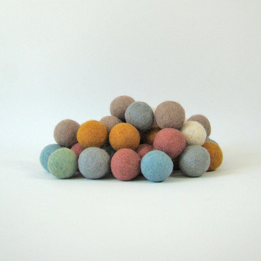 Balles 3,5 cm en laine feutrée Earth - set de 49
