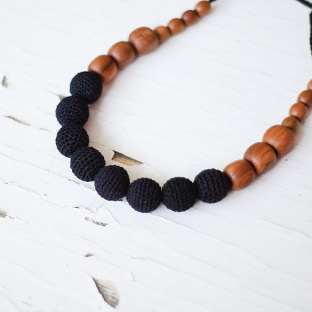 Collier d'allaitement et de portage Black in All Pommier - SN001