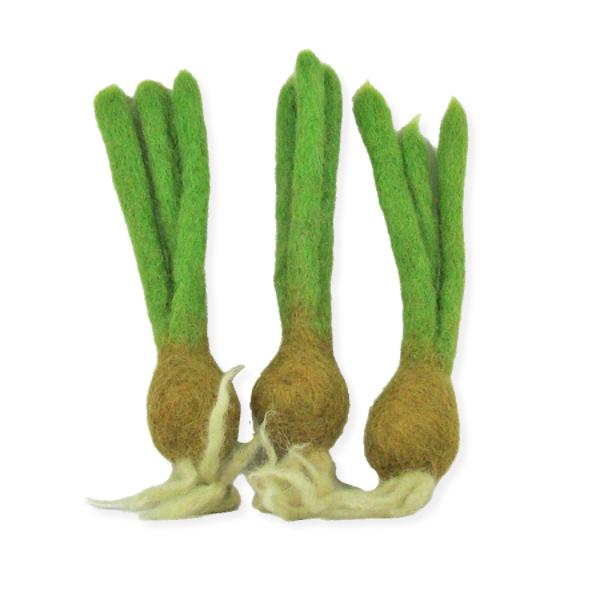 Mini légumes en laine feutrée - 3 oignons