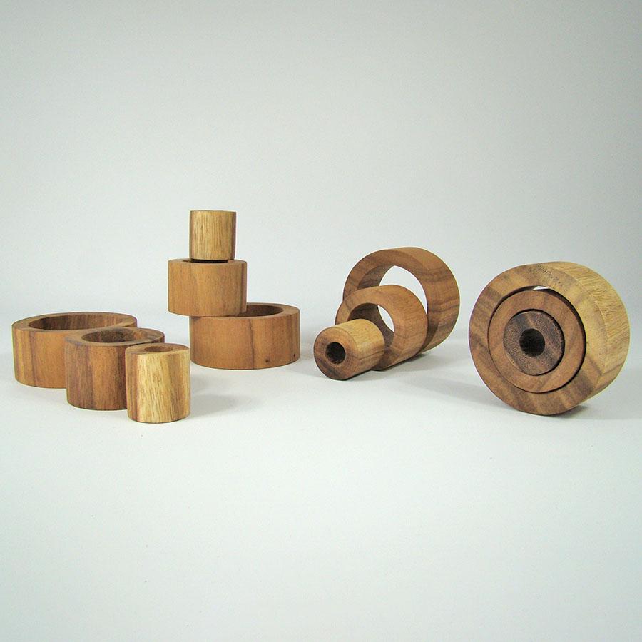 Tubes à imbriquer en bois - set de 12