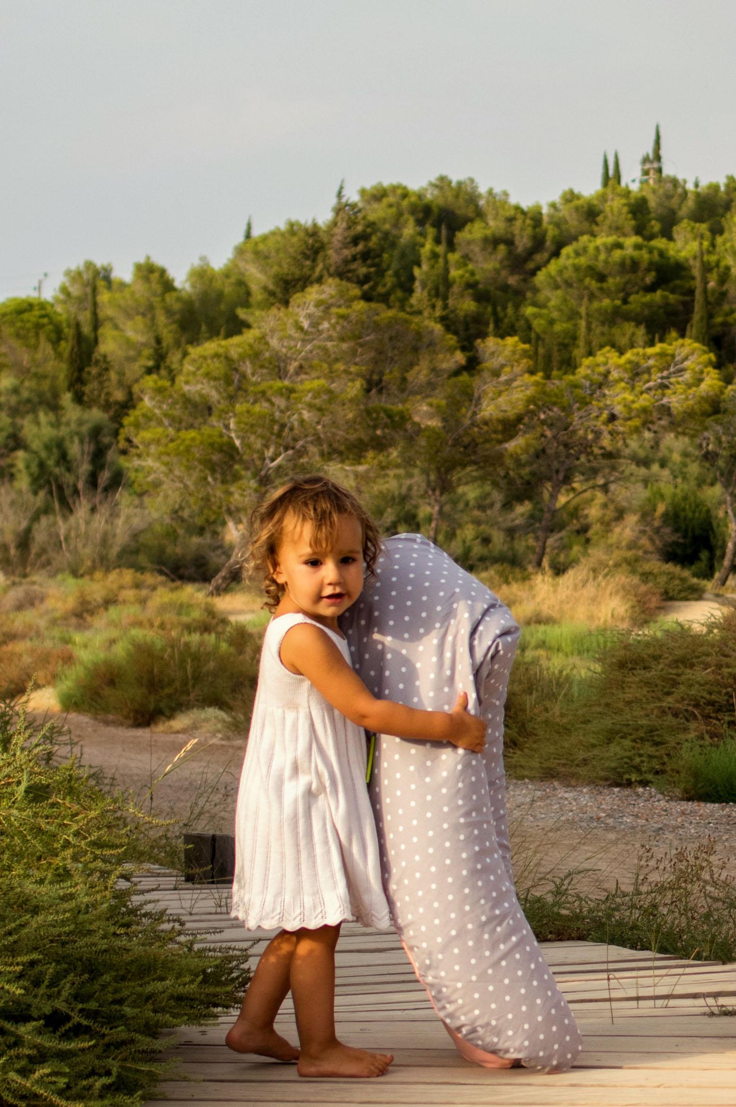 Coussin de maternit georges by les babilleuses jardin for Blythe le jardin de maman