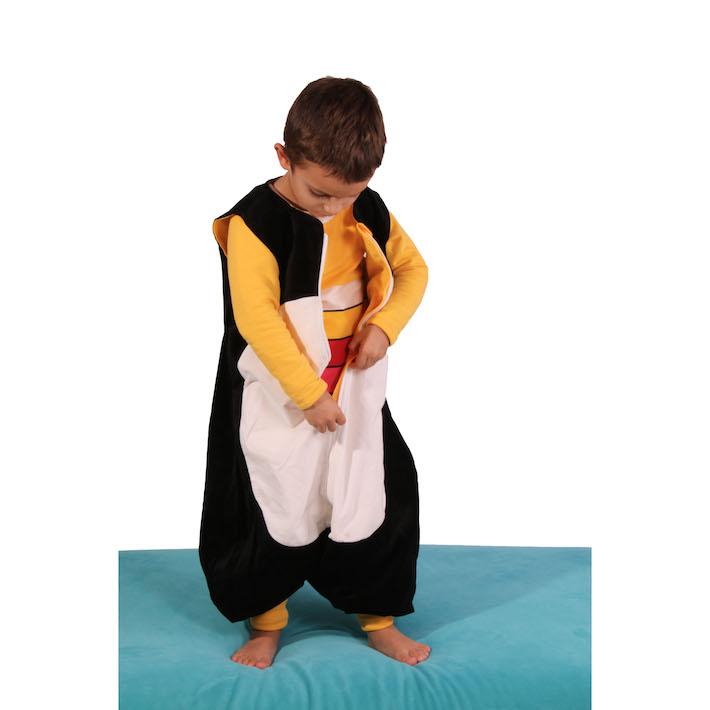 gigoteuse pieds paisse the penguin bag company pingouin 2 4 ans maman natur 39 elle. Black Bedroom Furniture Sets. Home Design Ideas